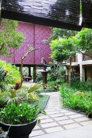 Luta Resort Toraja: Central courtyard
