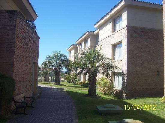 Las Dunas Hotel: Jardines del hotel