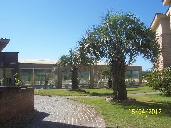 Las Dunas Hotel: Piscina climatizada