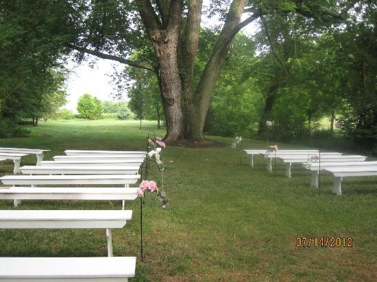 Pheasant Run Farm: Wedding setting