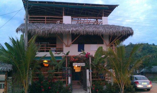 La Casa Hostel: Front of La Casa