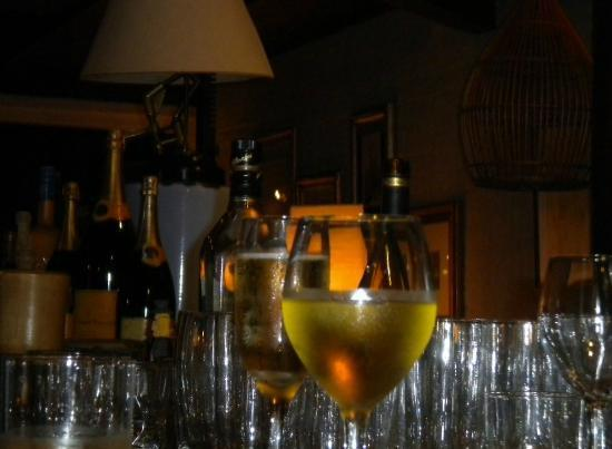 Hotel Art & Spa Las Cumbres: El bar