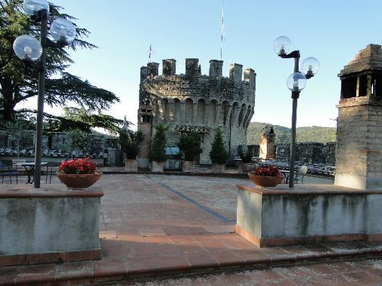 Castello dell'Oscano: castle