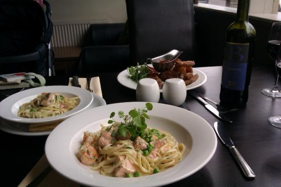 ‪‪Cafe Sage‬: Steak & chips; salmon & prawn linguine - and the smaller portion is my granddaughter's meal!‬