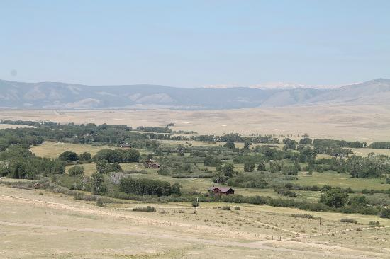 Vee Bar Guest Ranch: View of the ranch from the plateau