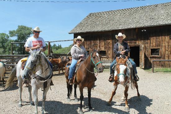 Vee Bar Guest Ranch: Our family