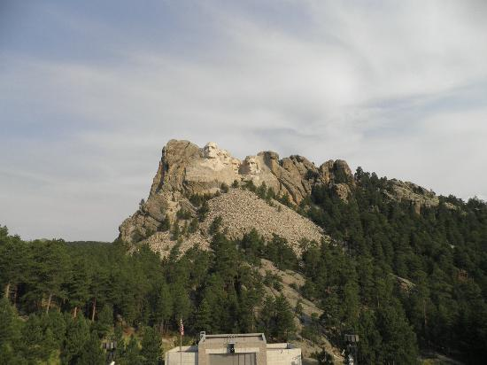Profile leaving the park to the west picture of mount rushmore