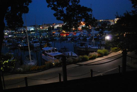 Sunset Inn: harbor view