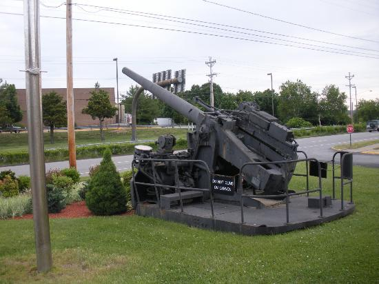 Groton Inn and Suites: naval gun below sign