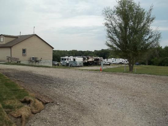 The Great Escape RV & Camp Resort: Pull-through Sites