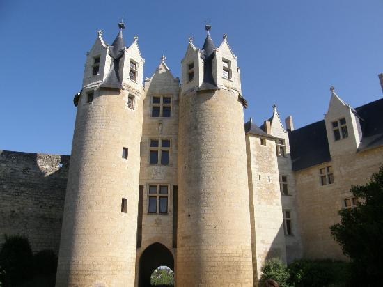 Hotel Le Relais Du Bellay : le château, juste à côté, à ne pas louper !
