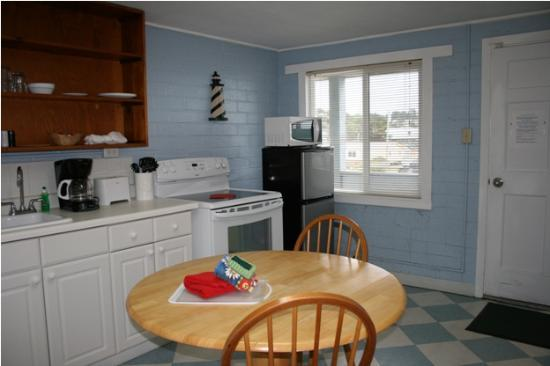 Sand Dollar Inn and Cottages: Most rooms in Sand Dollar Inn include full kitchens.