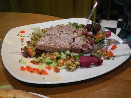 Royal Burgh Cafe: Tuna
