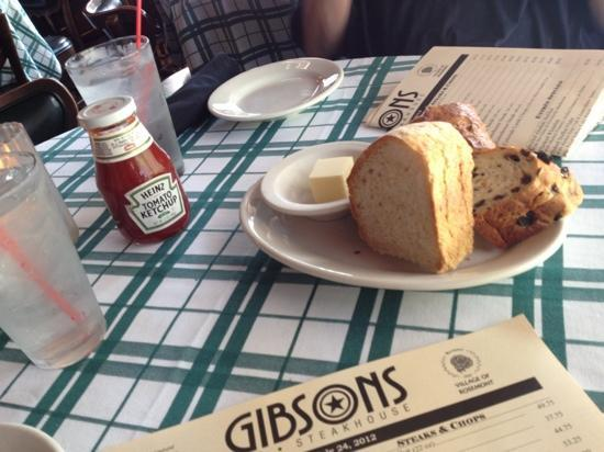 Gibsons Bar & Steakhouse: bread here was good too !!