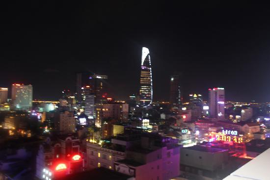 Golden Central Hotel: Night view