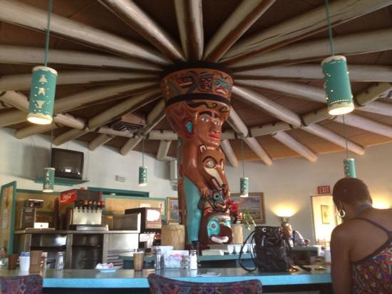 Kachina Lodge Resort and Meeting Center: We loved the decor of the restaurant.
