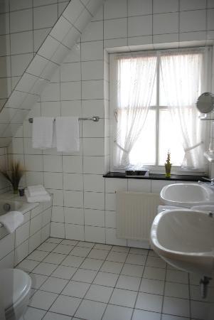 Waldhotel Morhoff: Bathroom