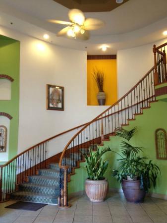 La Quinta Inn & Suites Los Banos : Attractive lobby