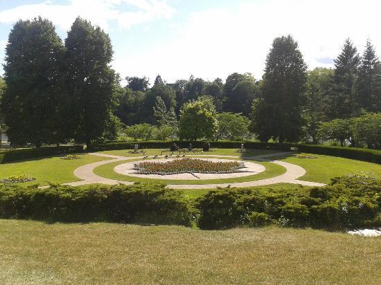 High Park: Maple Leaf