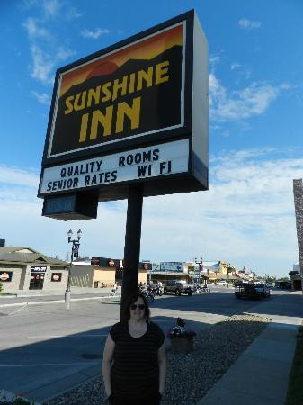 Sunshine Inn Sign
