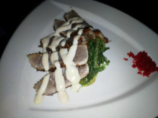 Blu: grilled ahi tuna with caviar