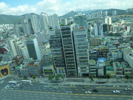 Lotte Hotel Busan: 部屋の窓からの景色