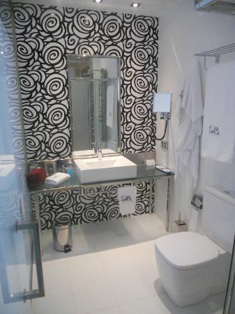 Cuartos De Bano Preciosos.Foto De Hotel Via Gotica Burgos Precioso Cuarto De Bano Bien