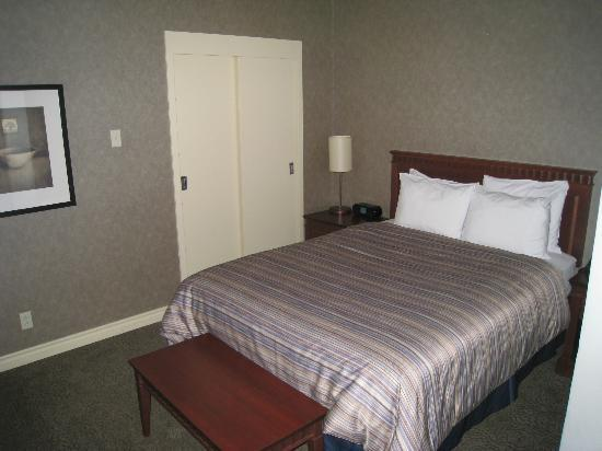 Le Square Phillips Hotel & Suites: bed room