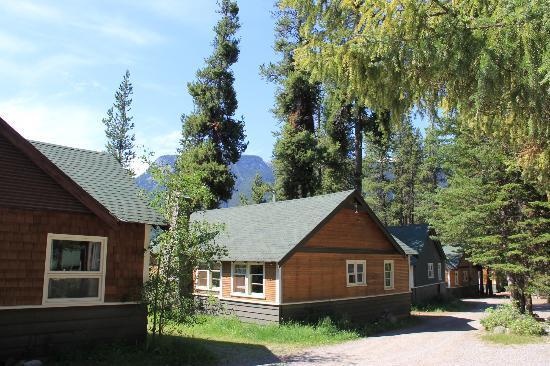Johnston Canyon Resort: Grounds
