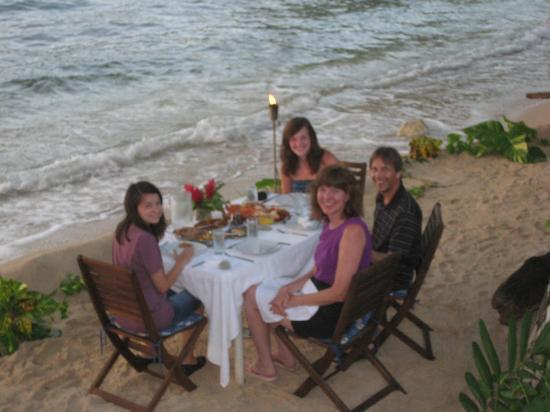 The Resort at Wilks Bay: Dinner on the Beach