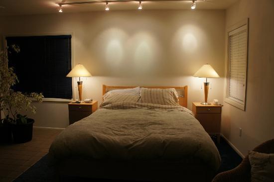 City Garden Bed & Breakfast: Clean bed