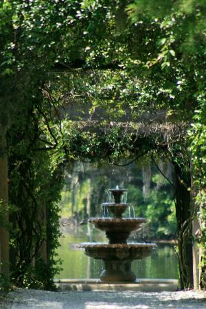 Fountain Picture Of Airlie Gardens Wilmington Tripadvisor
