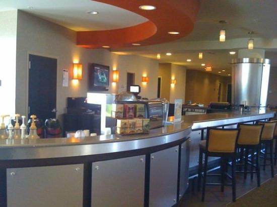 SpringHill Suites Minneapolis-St. Paul Airport: Cafe and restaurant