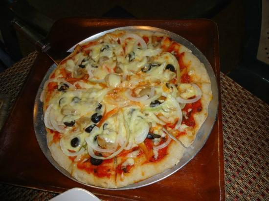 Sunset Bay Beach Resort: Vegetarian Pizza