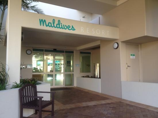 Maldives Resort: Front door