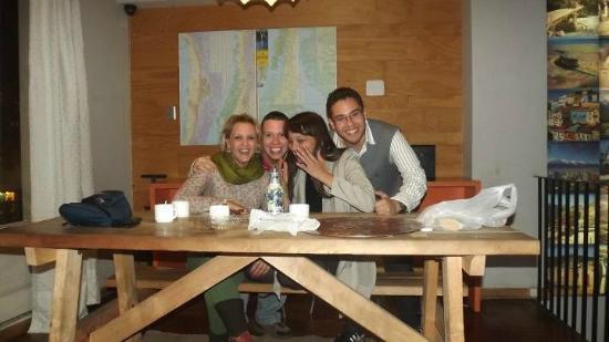 Hostal de la Barra: Amigos en la area comun del Hostal
