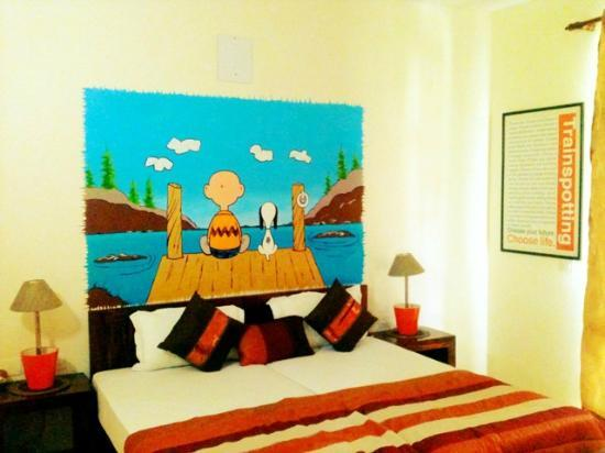 Cinnamon Stays : Doodle Room- AC room with double bed & quirky hand painted doodles