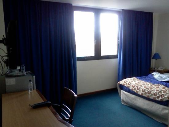 Shelter Suites: Habitación