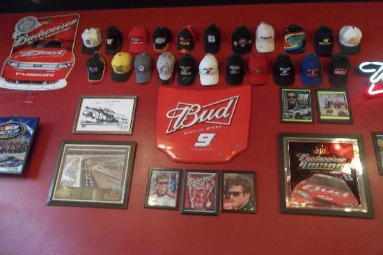 Pizza Factory : Gorras autografiadas de pilotos de carreras americanos