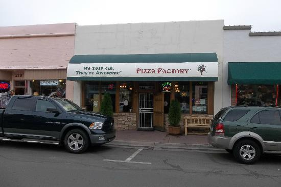 Fachada del Restaurant Pizza Factory