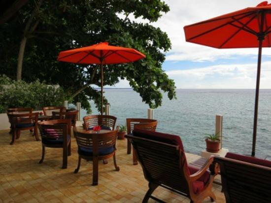 Bunaken Cha Cha Nature Resort: terrace
