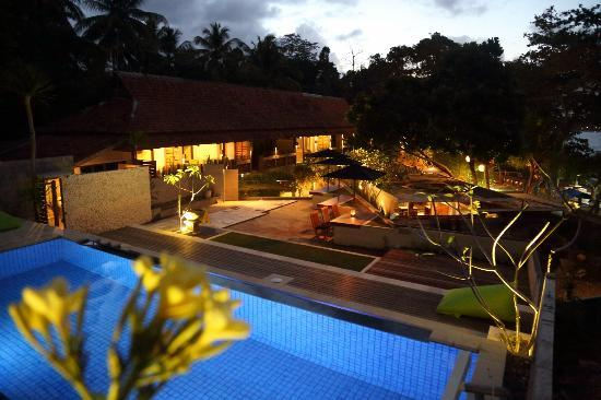 JavaCove Beach Hotel: Overlooking hotel