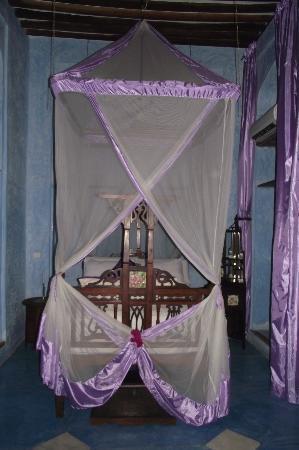 Emerson Spice : Bed