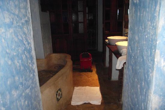 Emerson Spice : Bath room