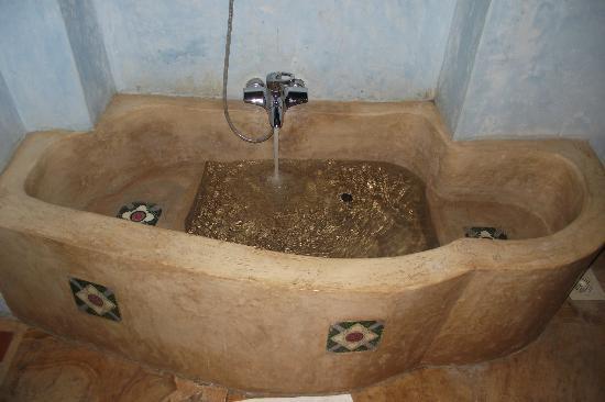 Emerson Spice : Bath