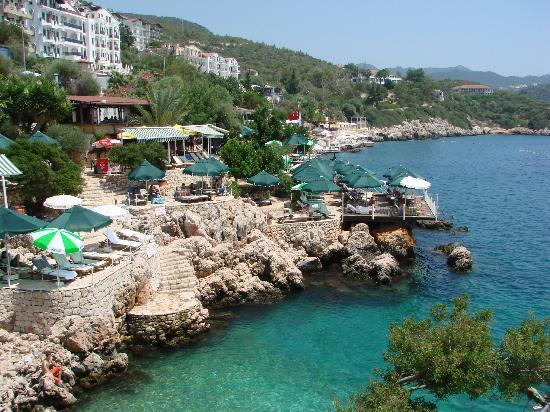 Cappari Hotels Aqua Princess Hotel: Beach area with hotels
