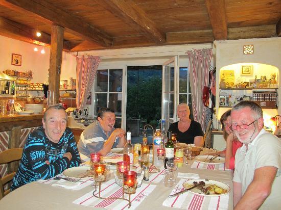 Riviere-sur-Tarn, Francia: Embiance en soirée