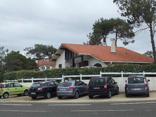 Villa Tiki / Vieux-Boucau Surflodge : villa tiki vue de l'extérieure