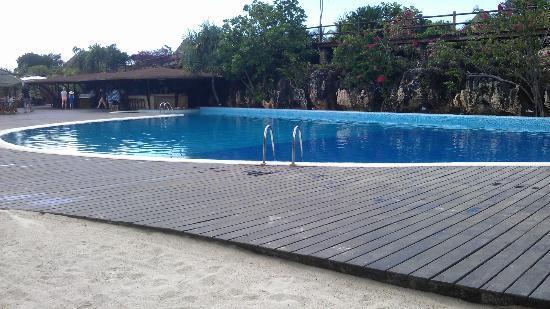 Diamonds La Gemma dell' Est: The Pool