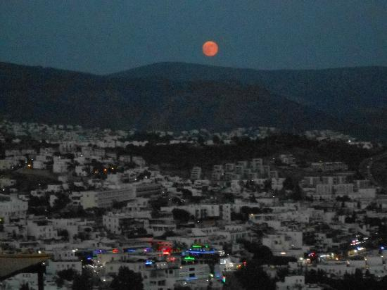 Dedeman Club Bodrum: AMazing moon